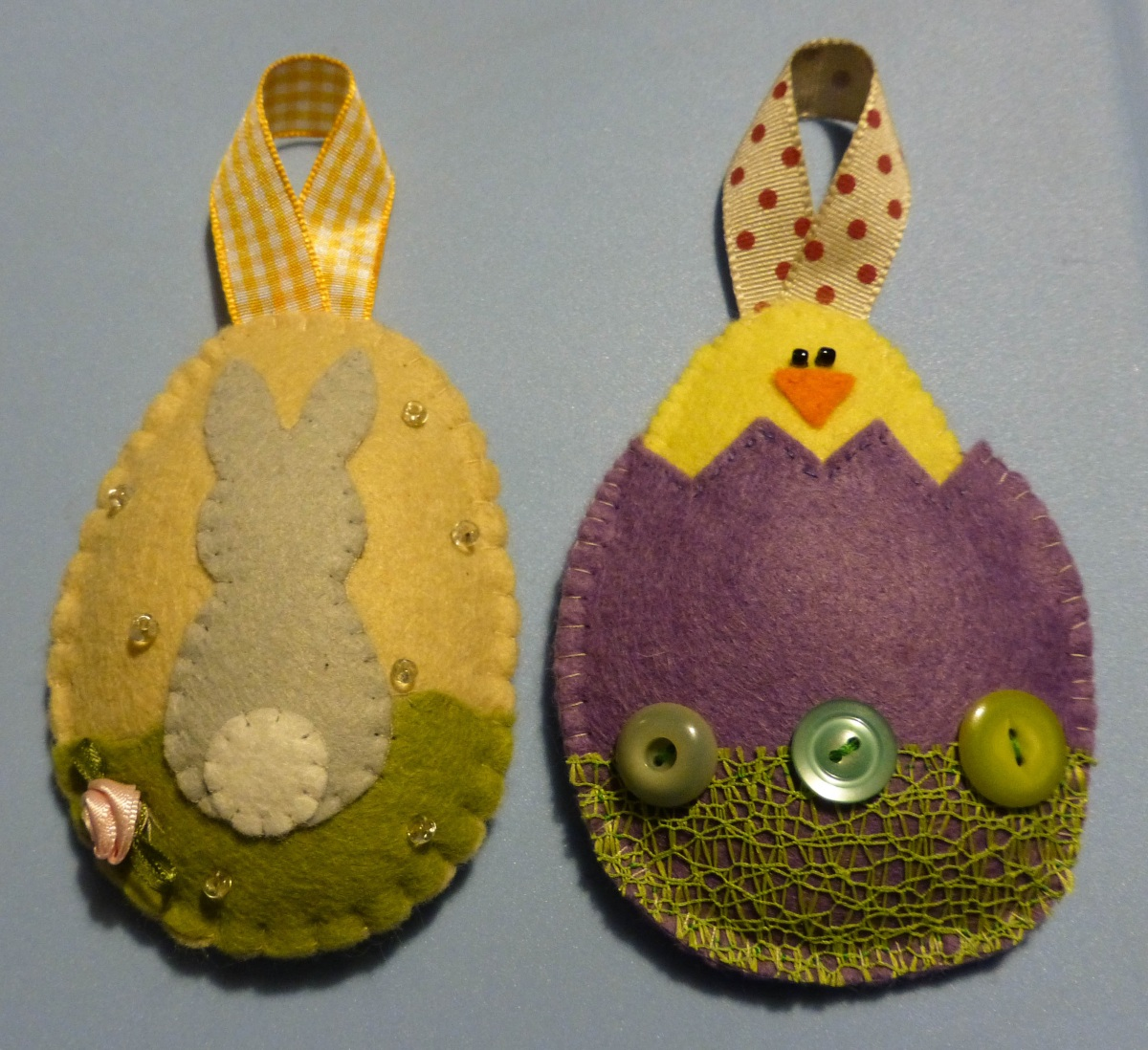Photo of the two Easter felt hanging decorations together
