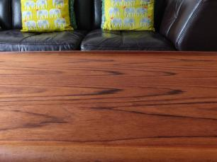 After the first wood stain application the small scratch is invisible.